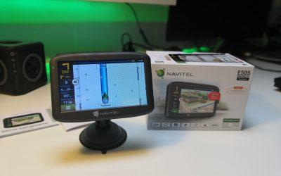Nawigacja samochodowa z Linuxem na pokładzie | NAVITEL E505 Magnetic